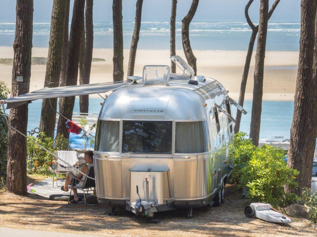 nos campings andernos avec vue sur la mer piscine ou emplacement de camping car. Black Bedroom Furniture Sets. Home Design Ideas