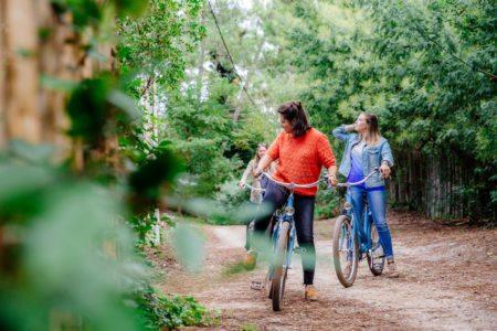 Balade à vélo entre filles au Bassin d'Arcachon à l'automne