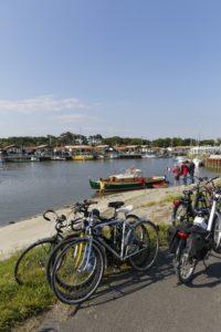 A vélo sur le port ostréicole d'Andernos